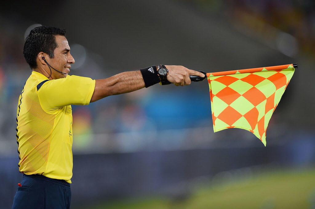Significado de uma bandeira utilizada durante uma partida de Futebol